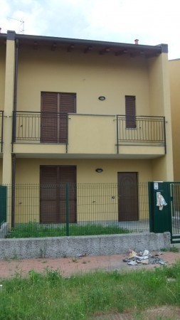 Bilocale Varallo Pombia Via Carlo Levi 3