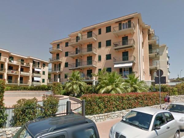 Appartamento in vendita a Imperia, 2 locali, prezzo € 168.000 | Cambio Casa.it