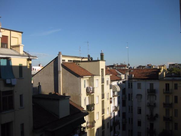 Bilocale Milano Via Leone Tolstoi 3