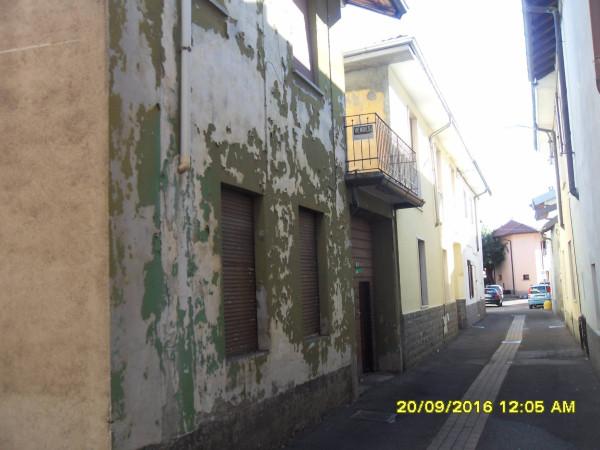 Rustico / Casale in vendita a Uboldo, 6 locali, prezzo € 150.000   Cambio Casa.it