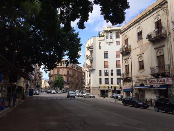 Appartamento in Affitto a Palermo Centro: 5 locali, 200 mq