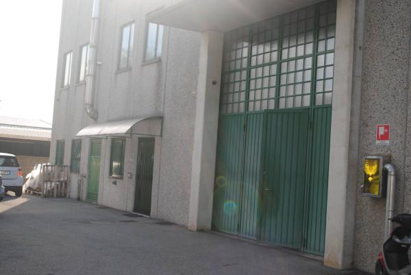 Capannone in vendita a Carate Brianza, 3 locali, prezzo € 250.000 | Cambio Casa.it