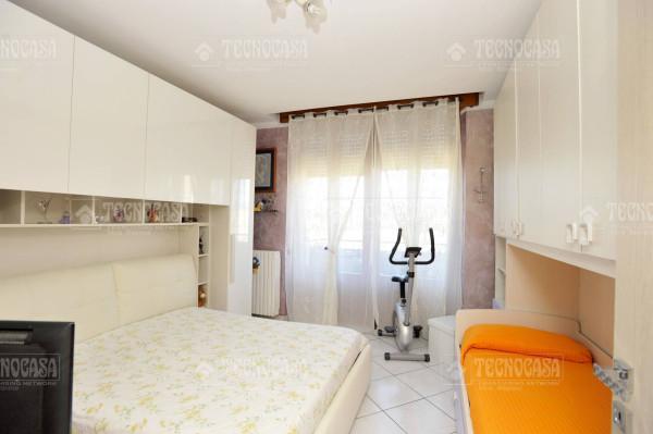 Bilocale Nova Milanese Via Assunta 8