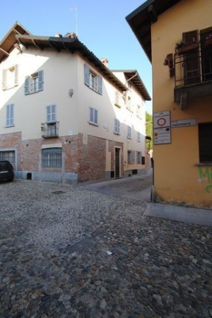 Bilocale Pavia Via Porta Pertusi 10