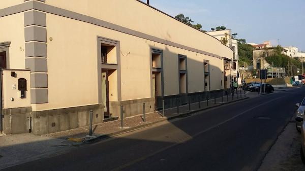 Negozio / Locale in affitto a Pozzuoli, 3 locali, prezzo € 600 | Cambio Casa.it