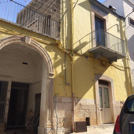 Palazzo / Stabile in vendita a Bitetto, 3 locali, prezzo € 100.000 | Cambio Casa.it
