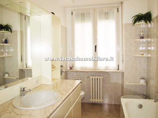 Bilocale Milano Via Val Passiria 12