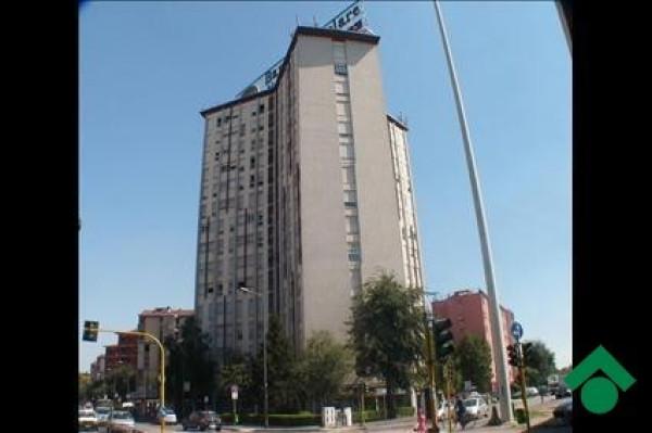 Bilocale Milano Via Gallarate 1