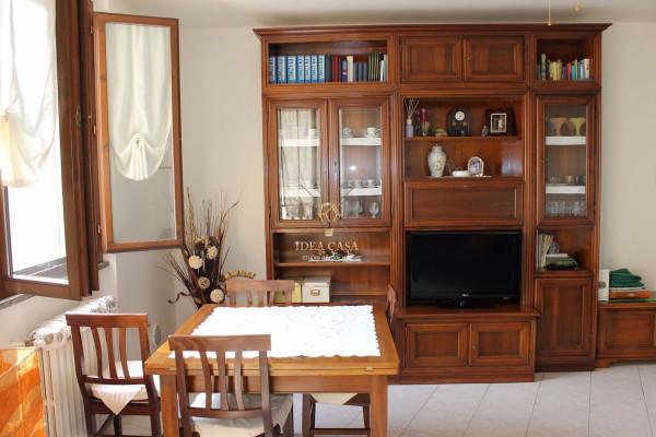 Appartamento in vendita a Besana in Brianza, 2 locali, prezzo € 67.000 | Cambio Casa.it