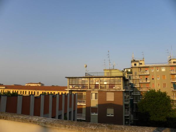 Bilocale Milano Via Attilio Momigliano 3