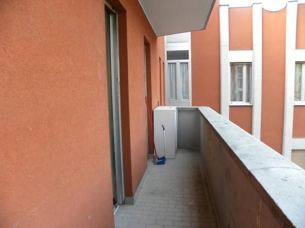 Bilocale Milano Via Attilio Momigliano 8