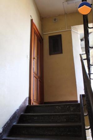 Bilocale Torino Via Ravenna 9