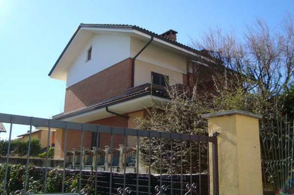 Villa in affitto a Chieri, 5 locali, prezzo € 1.000 | Cambio Casa.it