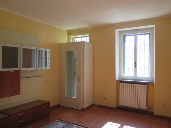 Appartamento in vendita a Locate di Triulzi, 2 locali, prezzo € 100.000 | CambioCasa.it