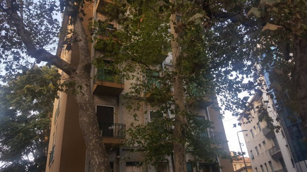 Bilocale Milano Via Daniele Crespi 1