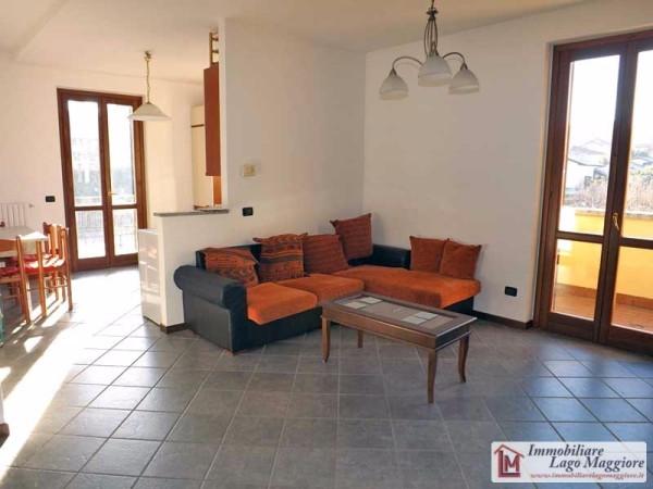 Appartamento in affitto a Taino, 3 locali, prezzo € 600 | Cambio Casa.it