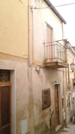Palazzo / Stabile in vendita a Caiazzo, 6 locali, prezzo € 40.000 | Cambio Casa.it
