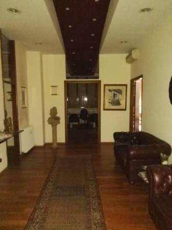 Ufficio / Studio in vendita a San Lazzaro di Savena, 6 locali, prezzo € 220.000   Cambio Casa.it