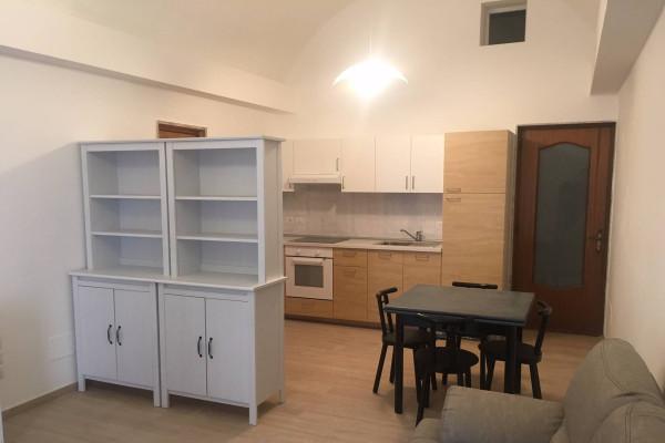 Appartamento in affitto a Valenzano, 2 locali, prezzo € 380 | Cambio Casa.it