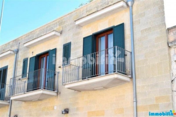 Appartamento in vendita a Oria, 5 locali, prezzo € 135.000 | Cambio Casa.it