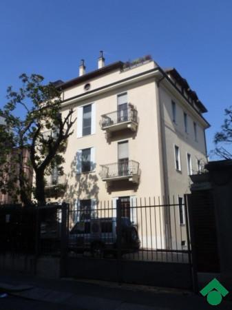 Bilocale Milano Via Luigi Varanini, 8 2