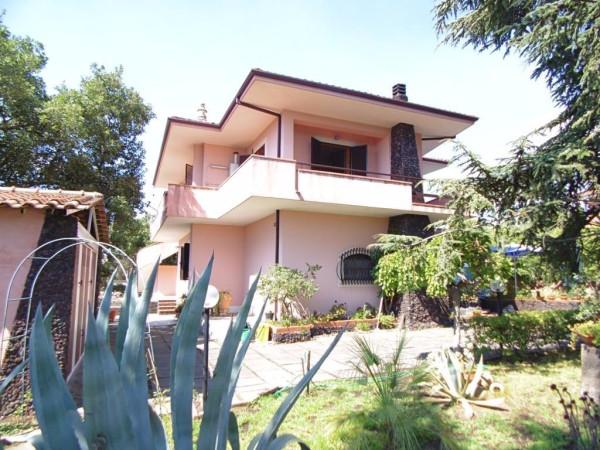 Villa in Vendita a Mascalucia Periferia: 5 locali, 220 mq