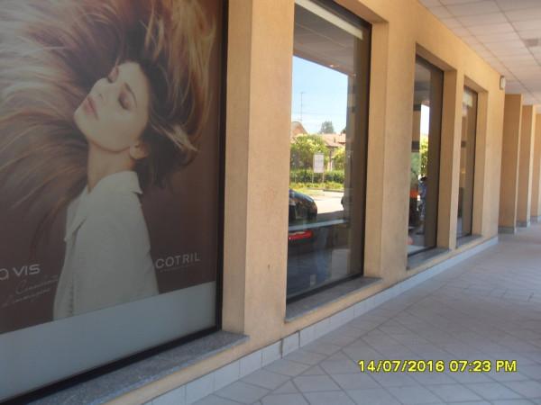 Negozio / Locale in affitto a Gallarate, 9999 locali, prezzo € 1.400 | Cambio Casa.it