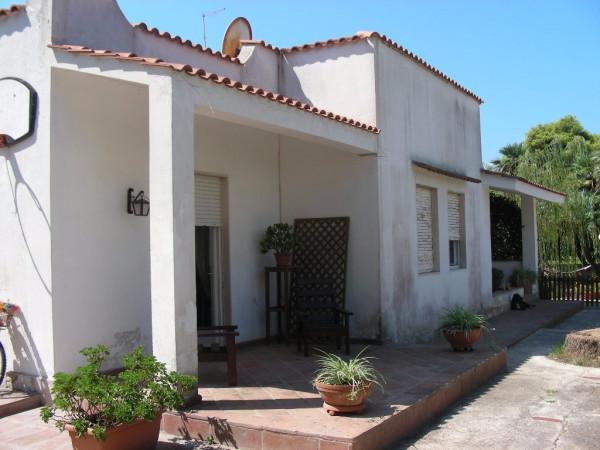 Villa in vendita a Taranto, 4 locali, prezzo € 250.000 | CambioCasa.it