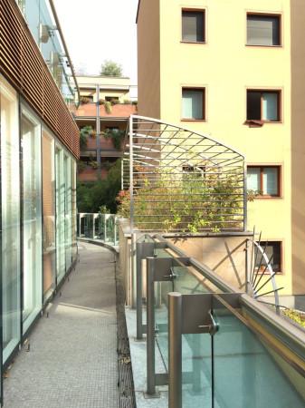 Bilocale Milano Via Santa Lucia 12