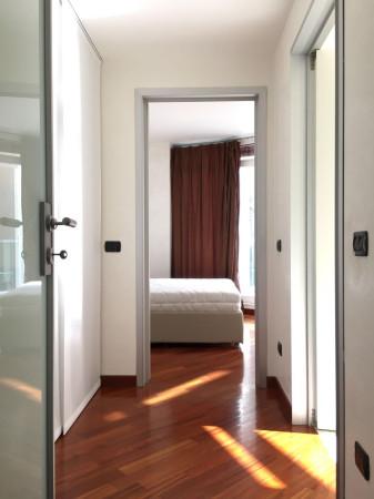 Bilocale Milano Via Santa Lucia 4