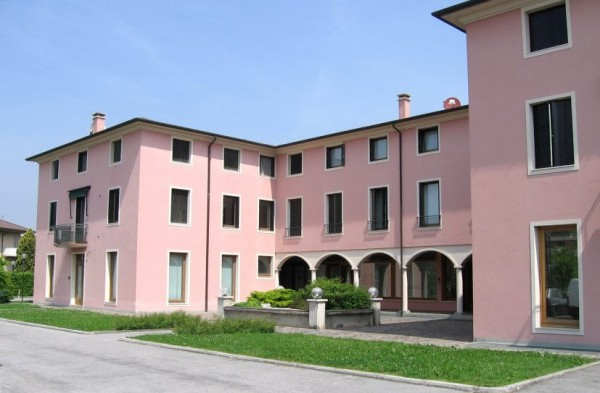 Negozio / Locale in vendita a Ponte San Nicolò, 2 locali, Trattative riservate | Cambio Casa.it