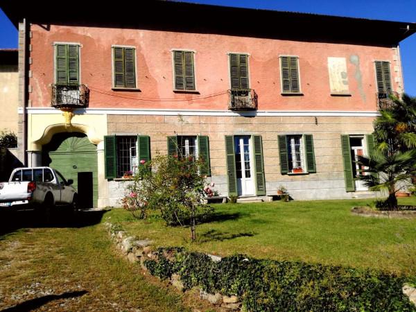 Villa in vendita a Mercallo, 6 locali, prezzo € 650.000 | Cambio Casa.it