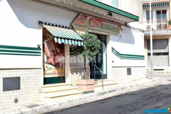 Negozio / Locale in vendita a Oria, 2 locali, prezzo € 150.000   Cambio Casa.it