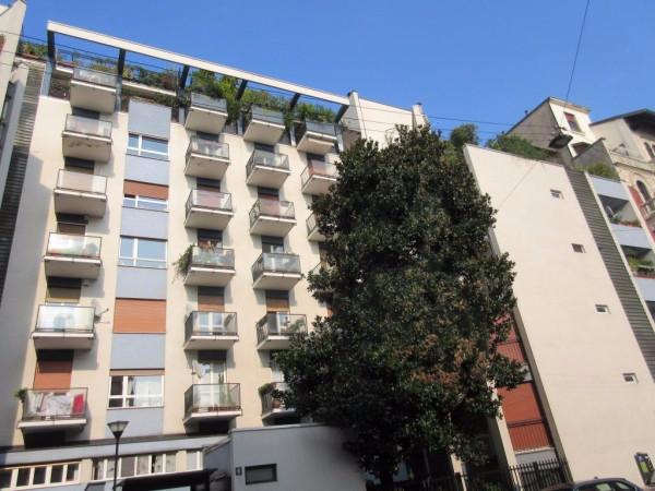 Bilocale Milano Via Marcello Pucci 9