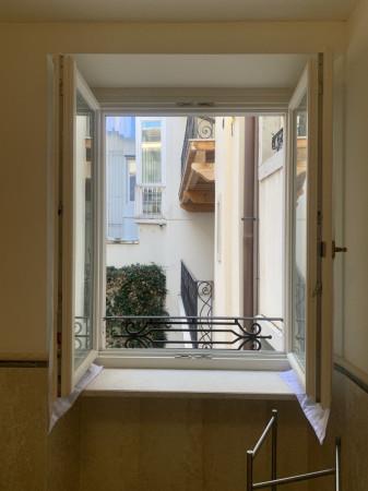 Bilocale Trieste Via Trento 8