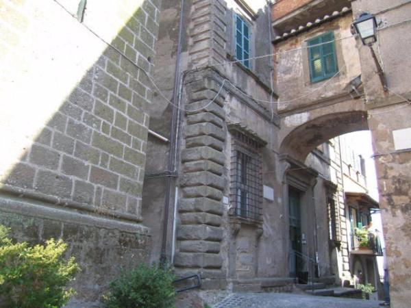 Bilocale Vallerano Piazza San Vittore 1