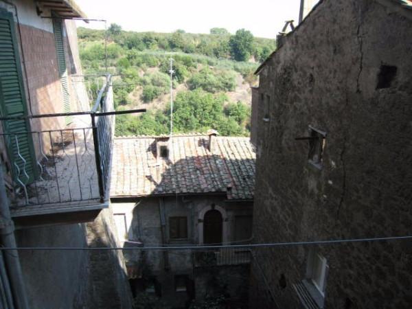Bilocale Vallerano Piazza San Vittore 12