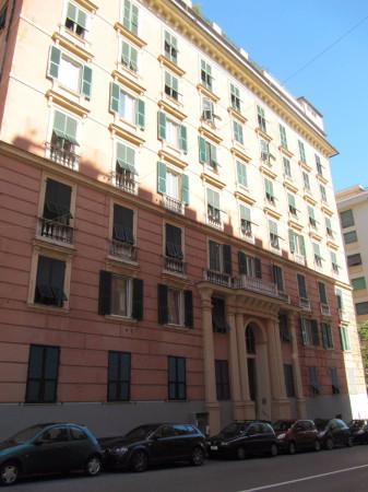 Bilocale Genova Via Nino Bixio 1