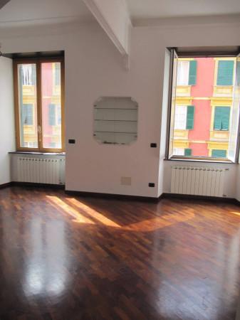 Bilocale Genova Via Nino Bixio 3