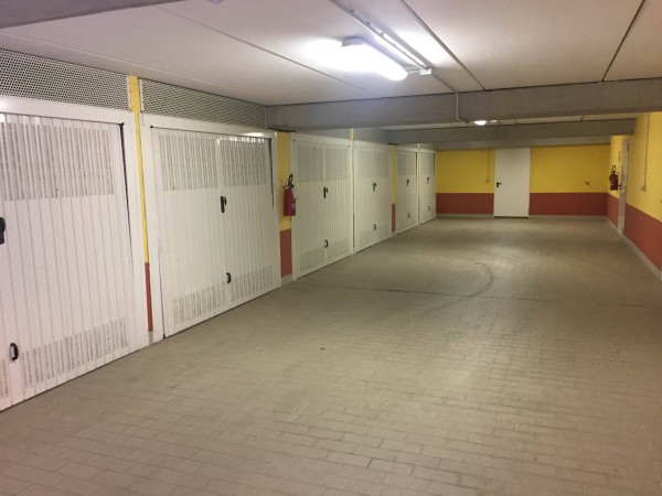 Box / Garage in vendita a Genova, 9999 locali, zona Zona: 19 . Quarto, prezzo € 40.000 | Cambio Casa.it