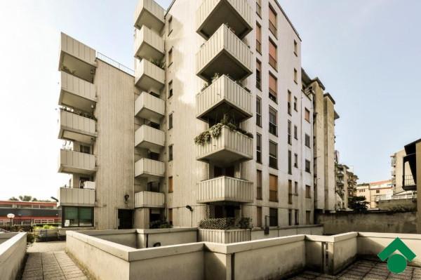 Bilocale Milano Via Bonaventura Zumbini 2