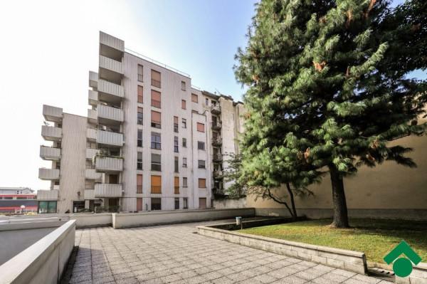 Bilocale Milano Via Bonaventura Zumbini 3