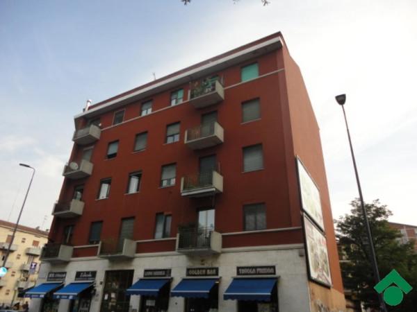 Bilocale Milano Piazza Tirana 5
