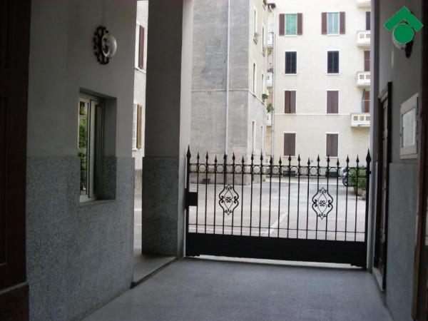 Bilocale Milano Via Mac Mahon, 111 3