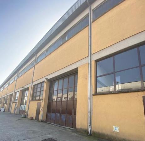 Magazzino in affitto a Rezzato, 2 locali, prezzo € 850 | Cambio Casa.it