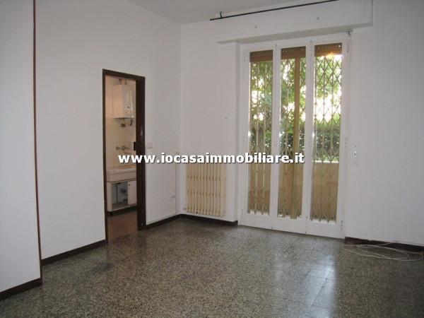 Bilocale Milano Via Ravenna 3