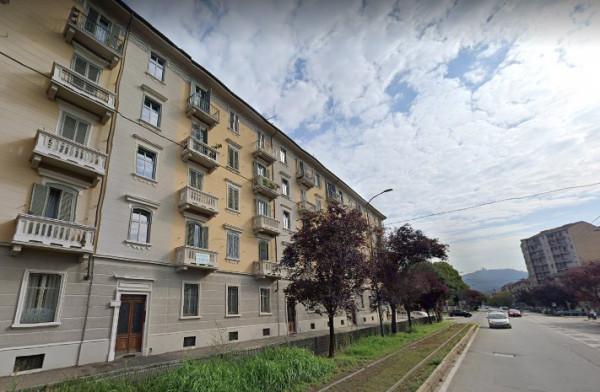 Appartamento in Affitto a Torino Semicentro Est: 3 locali, 75 mq