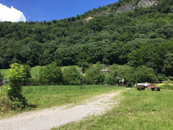 Villa in vendita a Canzo, 4 locali, Trattative riservate | CambioCasa.it