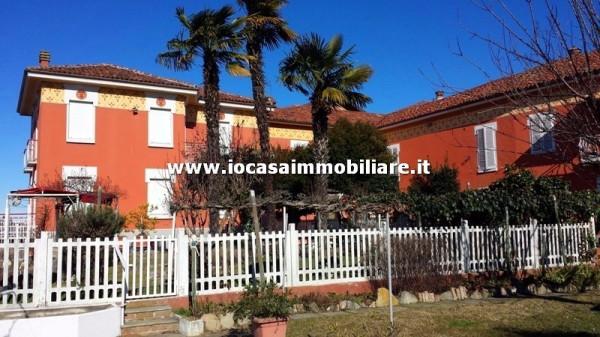 Villa in vendita a Cinaglio, 6 locali, prezzo € 588.000 | Cambio Casa.it
