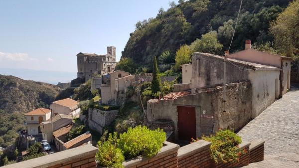 Villa in vendita a Savoca, 2 locali, Trattative riservate | Cambio Casa.it